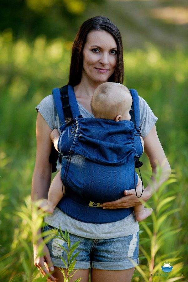 eng pl Little Frog Ergonomic Carrier Navy Blue Herringbone 6494 2