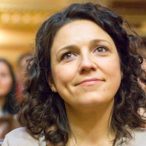 Ionela Luciu - consultant parenting si Montessori